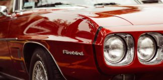 Car-Polish-Tips-to-Make-New-Look-Of-an-Old-Car-on-writercollection